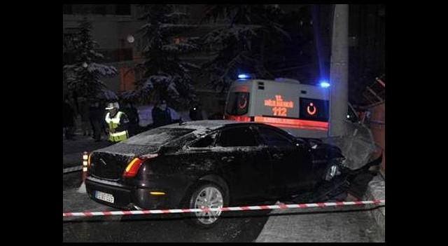 Tekstilcinin lüks aracı karda kaydı: 1 ölü