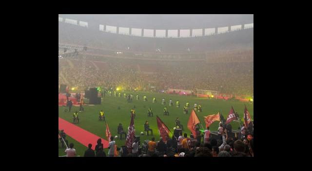 Galatasaray Şampiyonluğu Taraftarıyla Kutladı