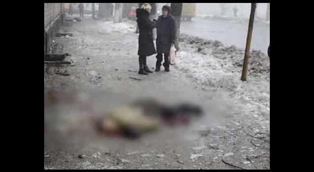 Ukrayna'da cesetler arasında yaşam