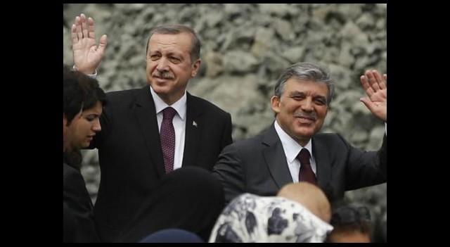 'Türkiye'nin Geleceği İki Kişiye Bağlı'