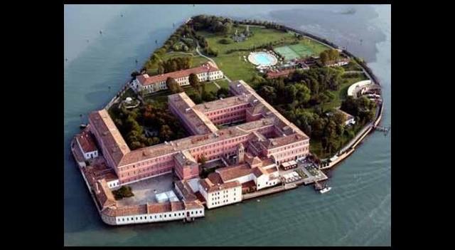 Türk İş Adamı Venedik'te Ada Aldı