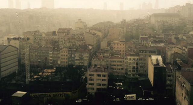 İstanbul'da çamurlu dolu yağdı!