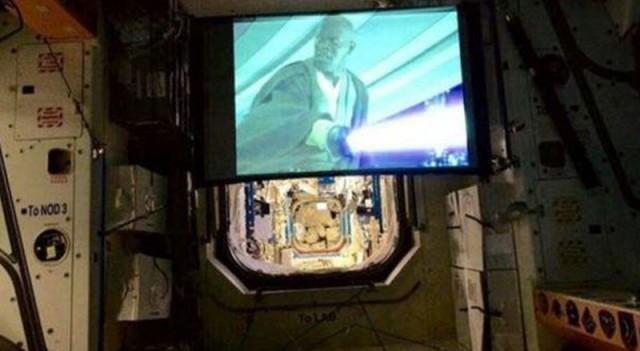 Star Wars uzayda gösterimde