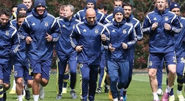 Fenerbahçe'de dokuz oyuncu kart sınırında