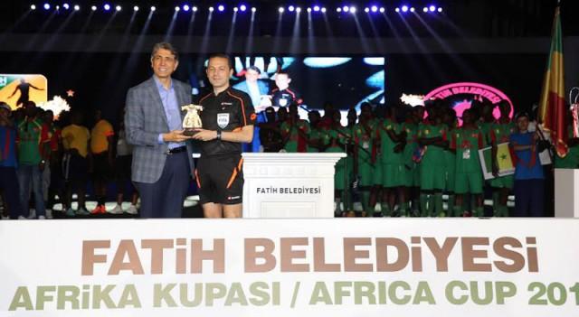 Afrika Kupası'nda Cüneyt Çakır'lı Pascal Nouma'lı muhteşem açılış!