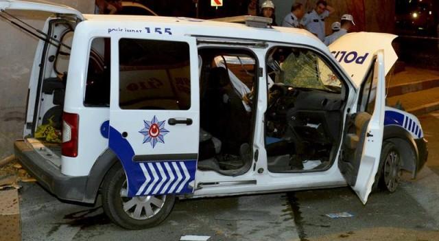 İstanbul'da polis aracı kaza yaptı: 1 şehit, 2 yaralı