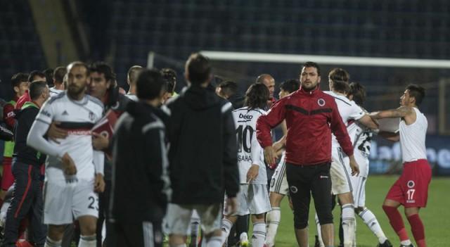 Ankara'da maç sonu ortalık karıştı!