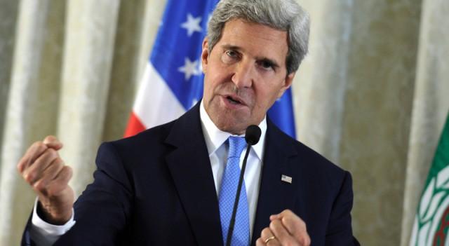 John Kerry kaza geçirdi