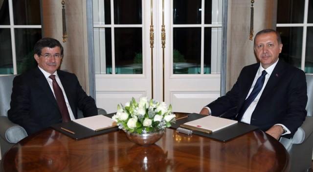Erdoğan Davutoğlu'na görevi verdi