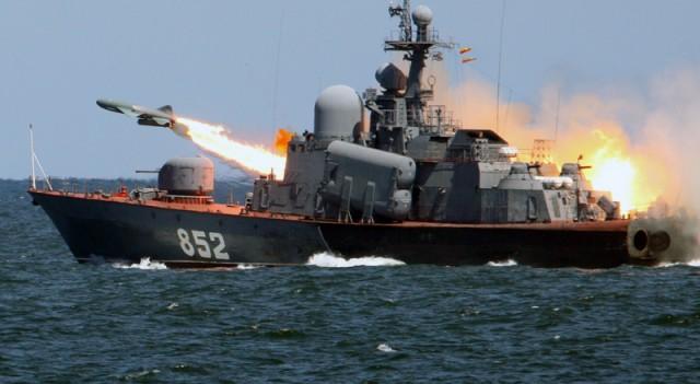 Ege Denizi'nde hareketli anlar! Rus savaş gemisinden ateş açıldı
