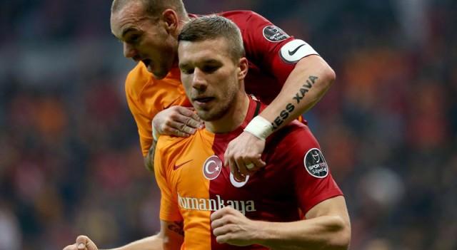 Galatasaray'ı sırtlayan ikili!