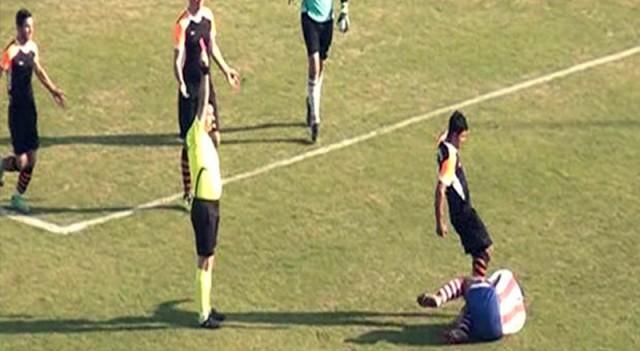 Rakibinin yüzüne tekme atan futbolcu ilk kez konuştu