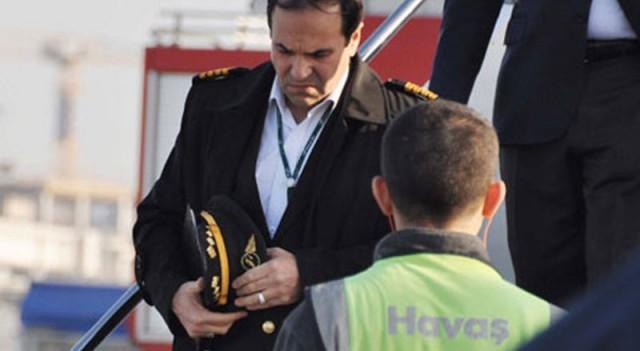 Korkuluklara çıkan uçağın İranlı pilottan alkol testi tepkisi