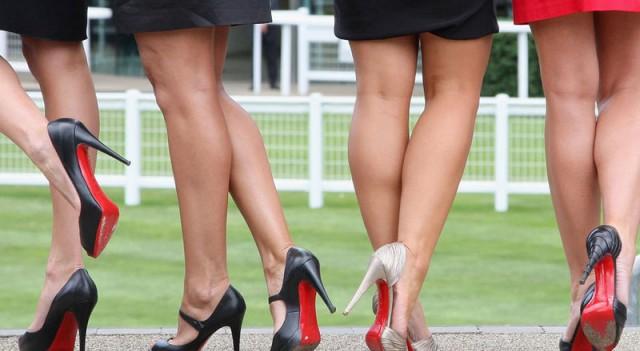 Topuklu ayakkabı alırken dikkat edin!