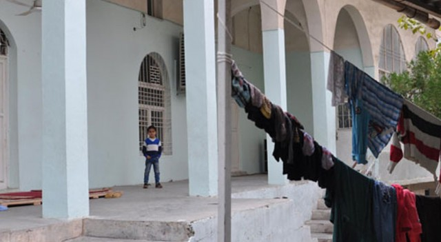 Cizre'de vatandaş camilere sığındı