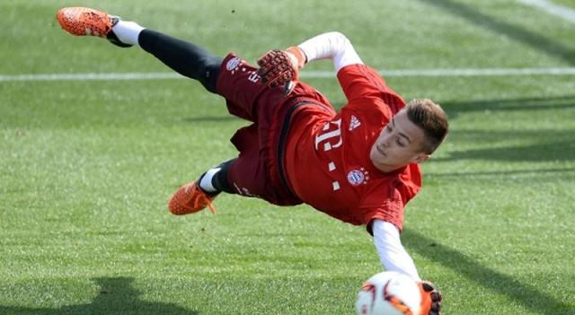 Bayern'e 15 yaşında 1.90'lık dev!