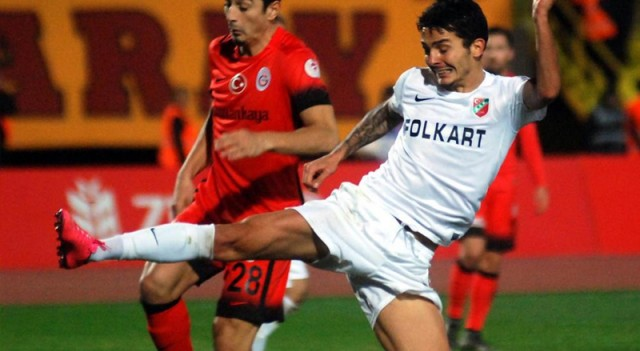 Karşıyaka-Galatasaray maçında skandal!