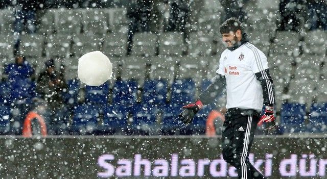 Beşiktaş - Mersin İdmanyurdu maçı ertelendi!
