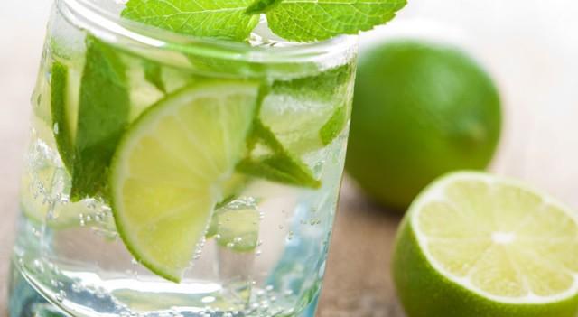 Limonlu su içmenin 13 mucizevi faydası!
