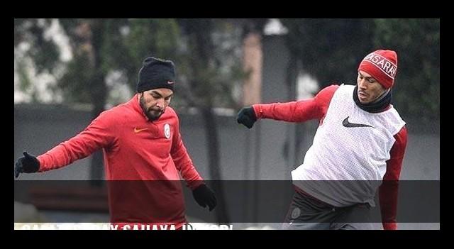 Galatasaray sahaya iniyor!