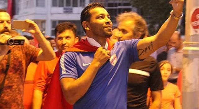 Andre Santos: 'Türk halkının bütünleşmesini hayranlıkla izledik'
