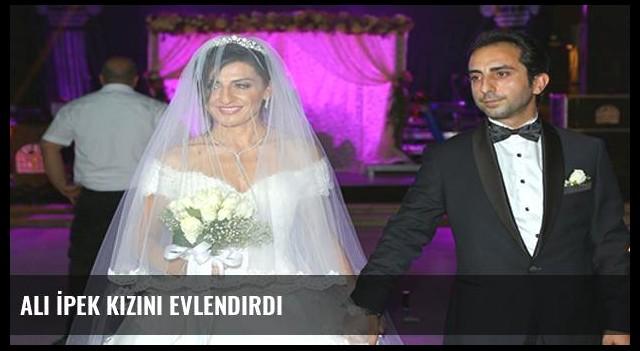 Ali İpek kızını evlendirdi