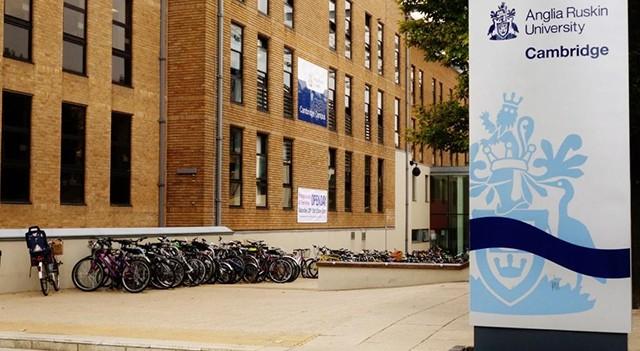 Anglia Ruskin Üniversitesi seni bekliyor...