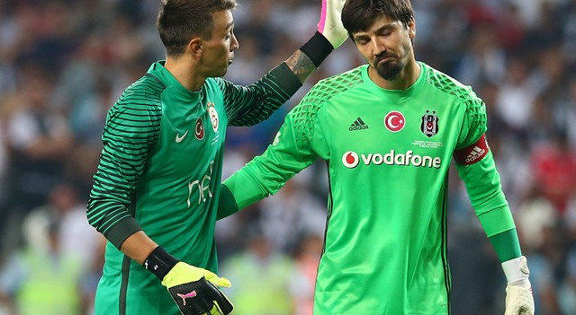 Muslera kupa sevincinde Fenerbahçe ve Beşiktaş'ı ikiye katladı