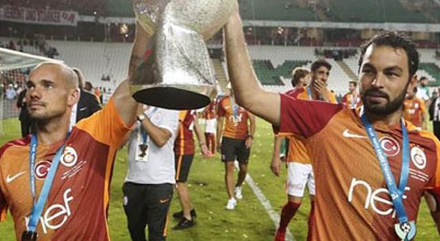 Galatasaray'da futbolculara verilen cezalar siliniyor