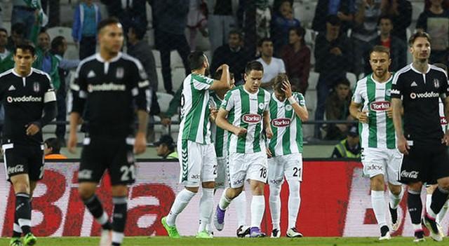 Beşiktaş taraftarı stoper transferi istiyor