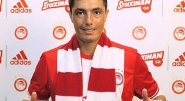 Oscar Cardozo transferi Olympiakos'u karıştırdı