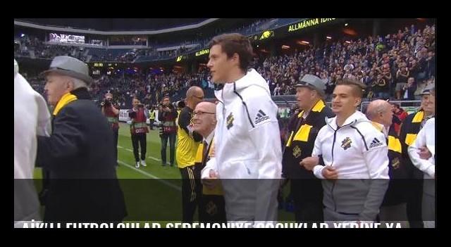 AİK'li futbolcular seremoniye çocuklar yerine yaşlı üyelerle birlikte çıktı