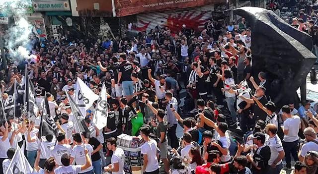 Beşiktaş taraftarından sıradışı eylem