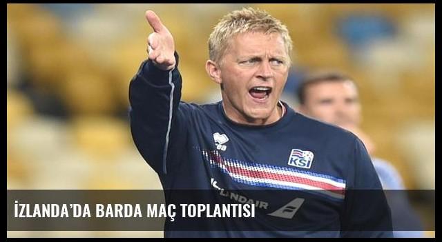 İzlanda'da barda maç toplantısı