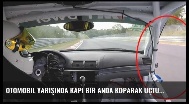 Otomobil Yarışında Kapı Bir Anda Koparak Uçtu