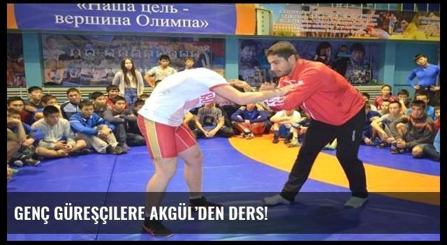 Genç güreşçilere Akgül'den ders!
