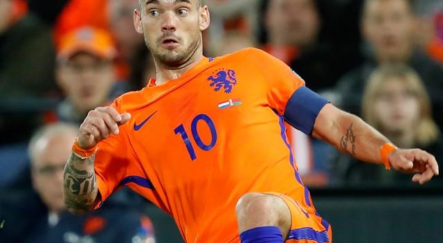 Wesley Sneijder milli takımda sakatlandı