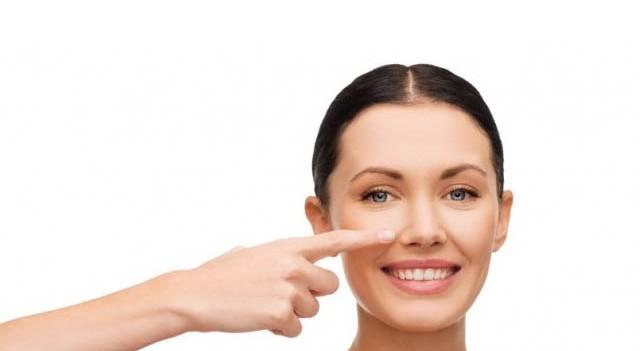 Burnunuzdaki geniş gözenekleri yok etmek sizin elinizde