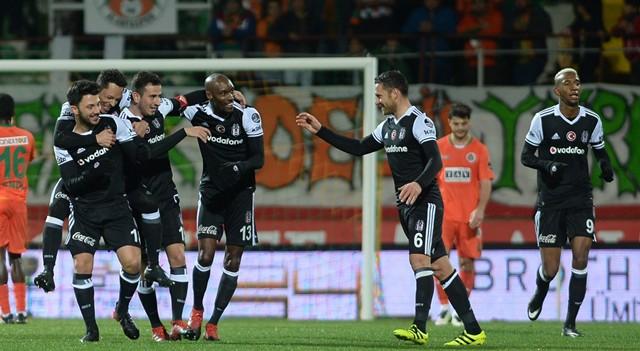 Beşiktaş'ta ayrılık an meselesi! Cazip teklif kabul edecek mi?