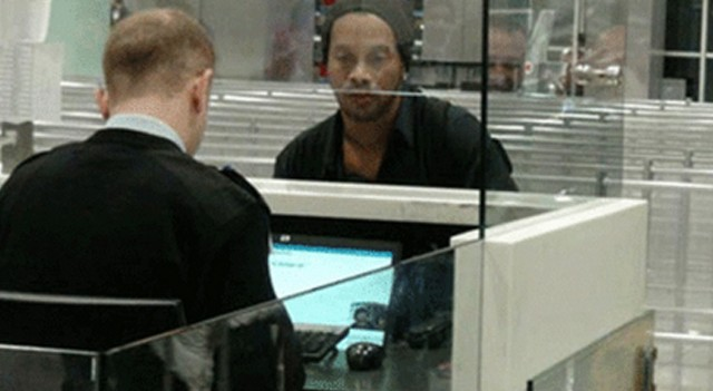 Ronaldinho ünlü menajerle İstanbul'da görüştü