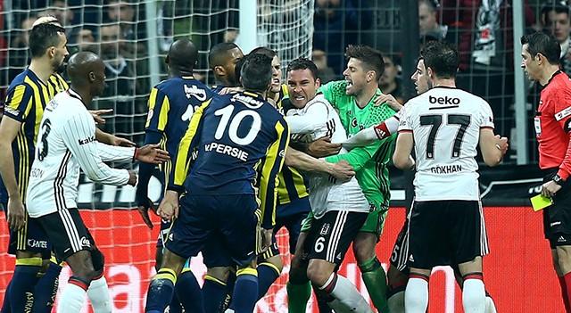 F.Bahçe, Beşiktaş, Tosic ve Van Persie PFDK'ya sevk edildi