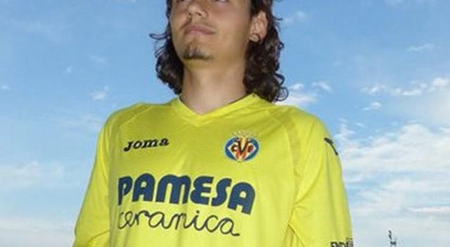 Enes Ünal yeni takımı Villarreal'in formasını giydi