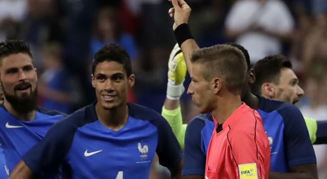 Dev maçta Varane'ın kırmızı kart kararı video hakemden!