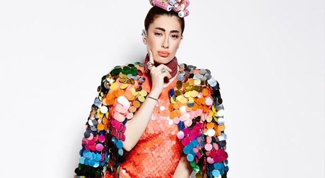 Nil Karataş 'Gümbür Gümbür' single çalışması için Frida olarak poz verdi!