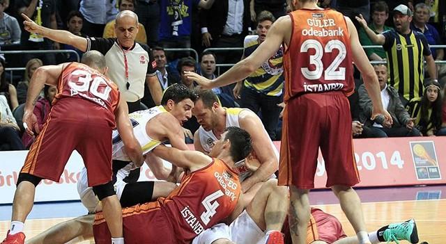 Galatasaraylı yıldız Fenerbahçe ile sözleşme imzaladı!
