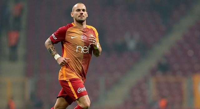 Türk Telekom Stadı'nda Sneijder tezahüratları!