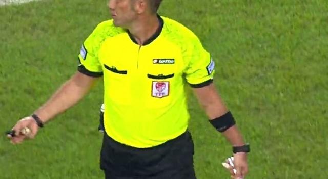 Süper Kupa'da sahaya bıçak atıldı!