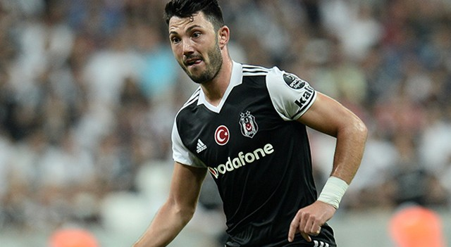 Beşiktaş'ta Tolgay Arslan sözleşme yeniledi