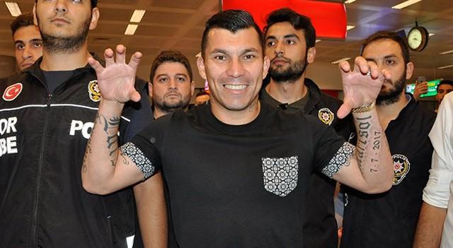 Gary Medel İstanbul'a geldi!