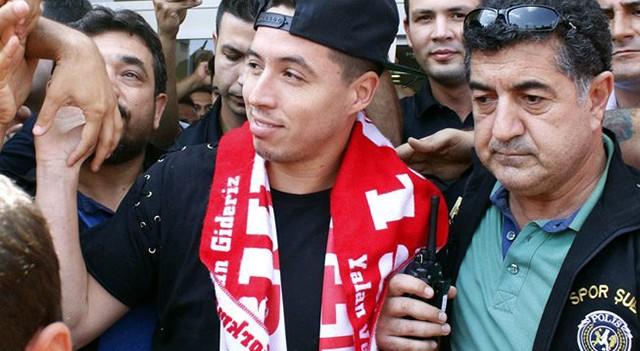 Antalyaspor, Nasri'ye 2 yıllık imza attırdı